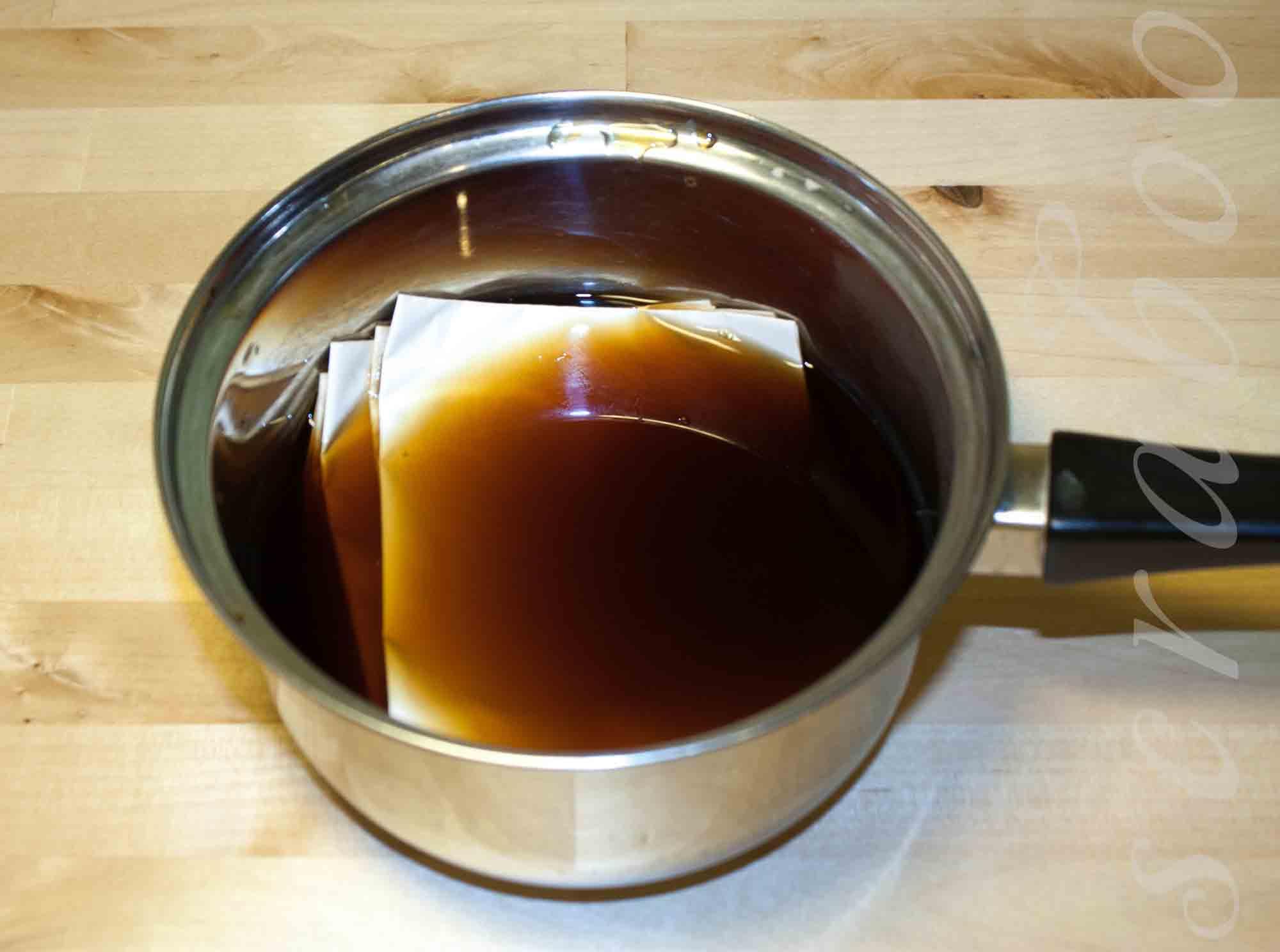 Состаривание бумаги с помощью кофе
